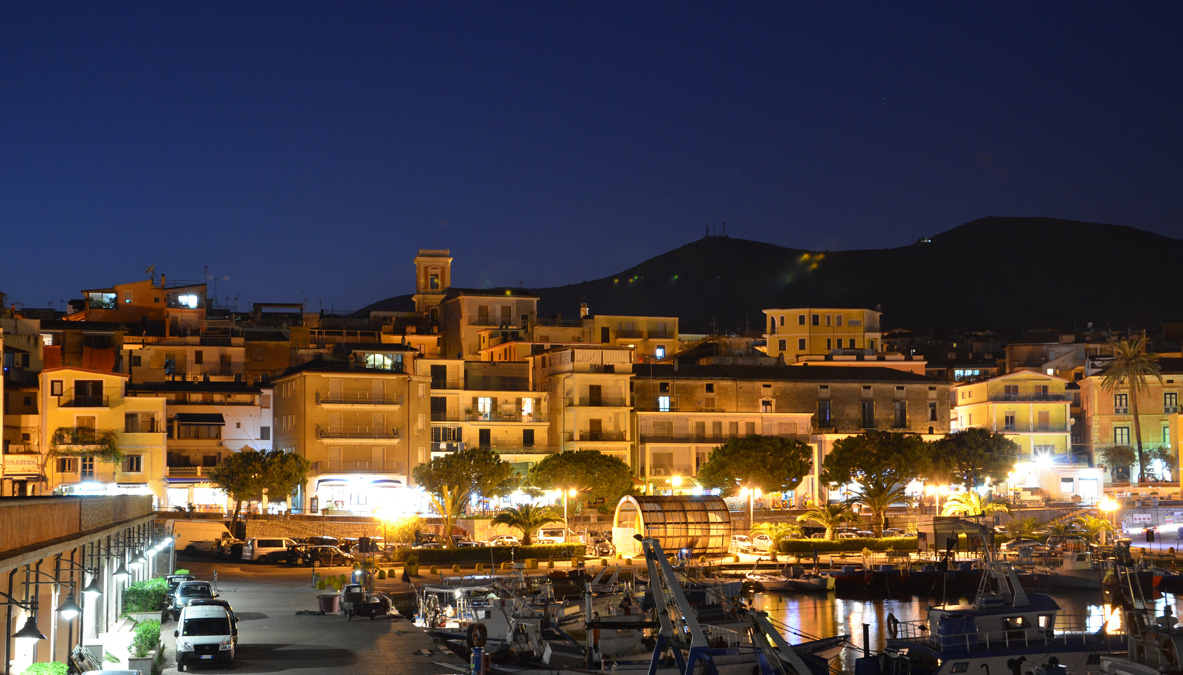 Marina di Camerota by night
